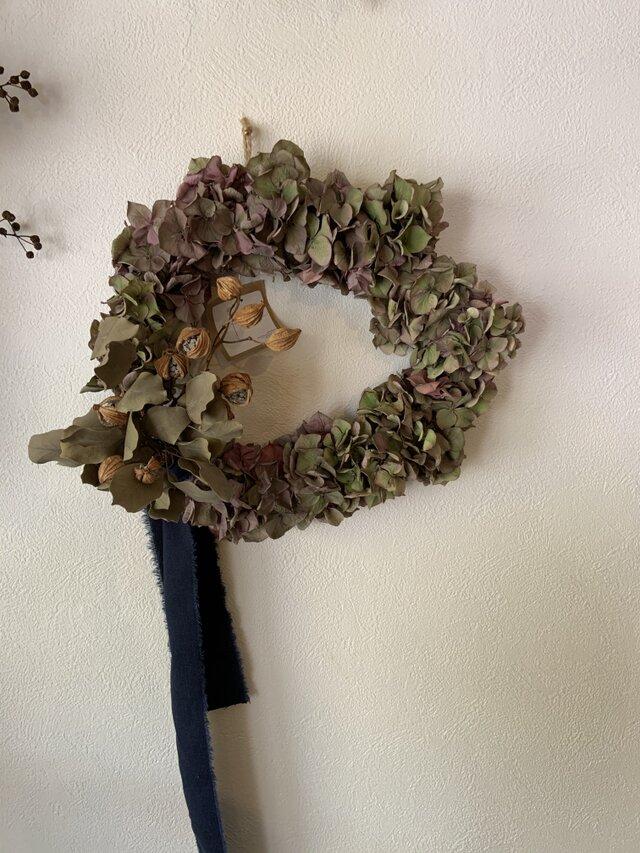 秋色紫陽花のリースの画像1枚目