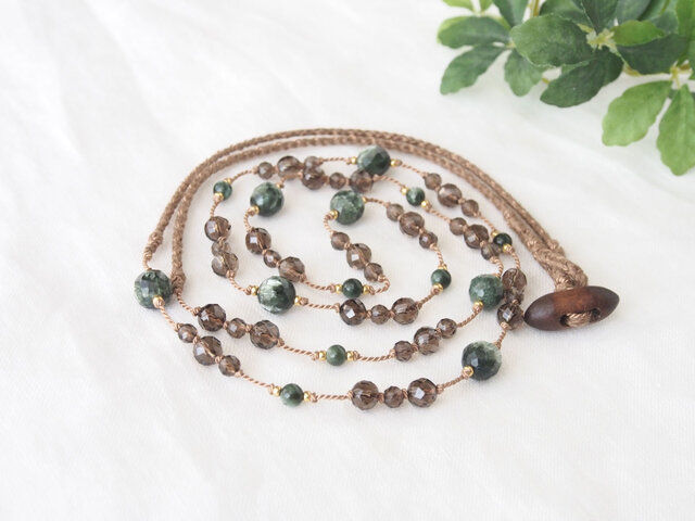 Green&Smoky Long Necklaceの画像1枚目