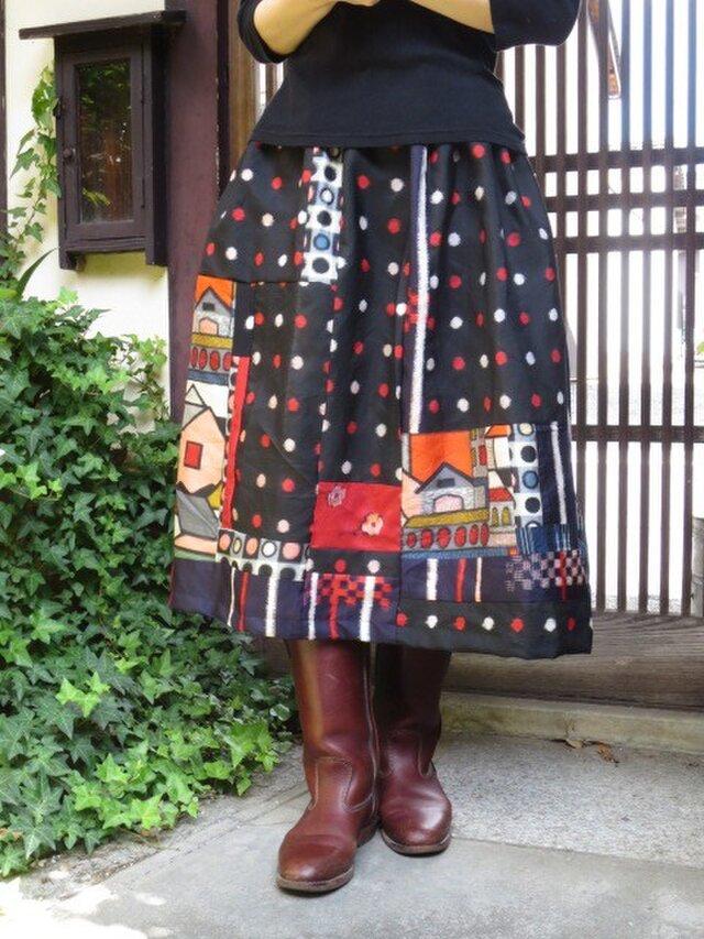 H様ご予約品76㎝丈☆おうち柄と水玉でレトロポップ銘仙スカートの画像1枚目