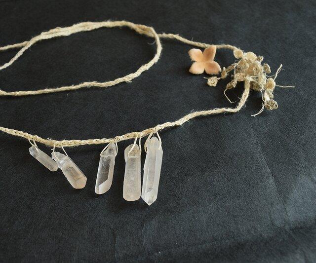【送料無料】白い花のネックレスの画像1枚目