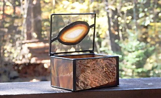 ステンドグラス 茶色の小箱の画像1枚目