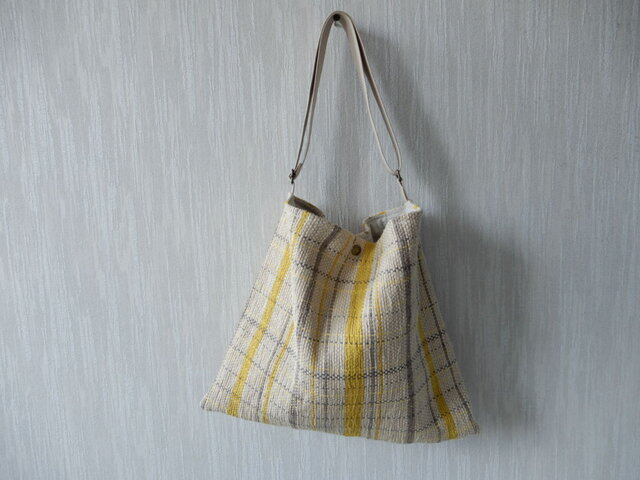 裂き織りのくたっりショルダーバッグの画像1枚目