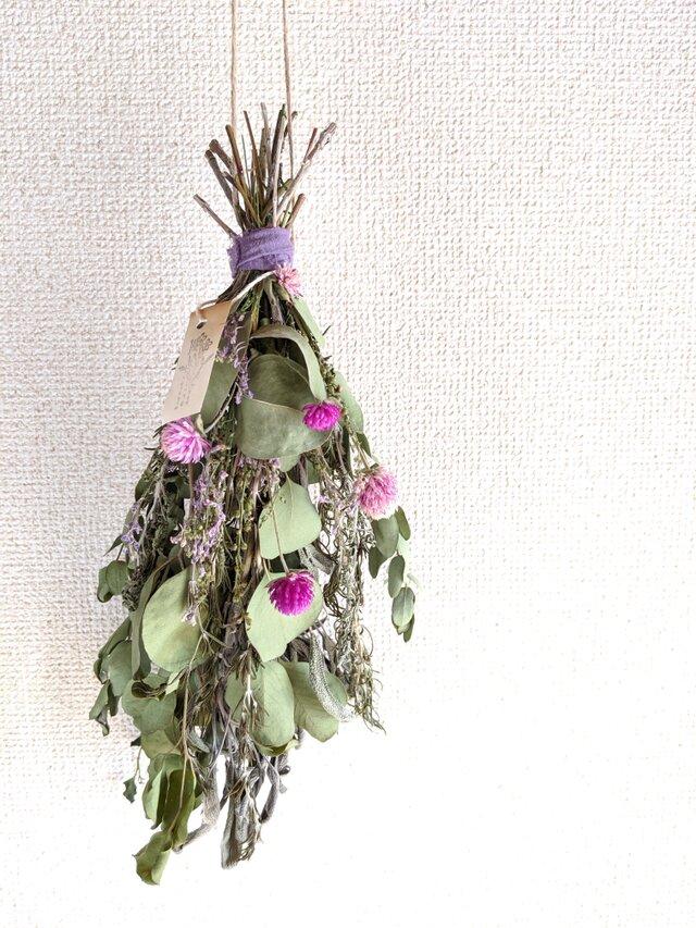 自家栽培ハーブのユーカリとセンニチコウとラベンダーのドライフラワースワッグの画像1枚目