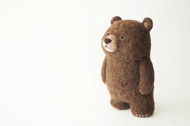BROWN BEAR (standing)の画像1枚目