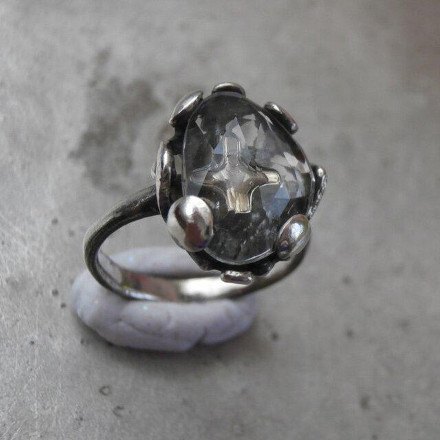 雪の結晶と光のリングの画像1枚目