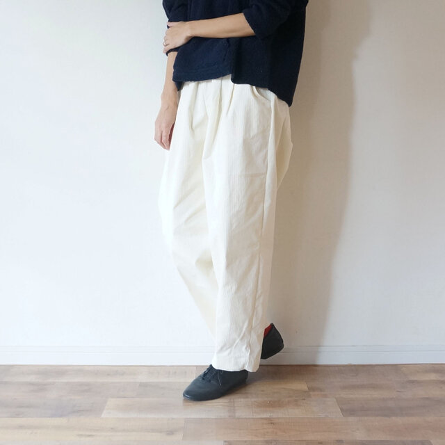 10w Stretch Corduroy tuck Pants OFF/Wの画像1枚目