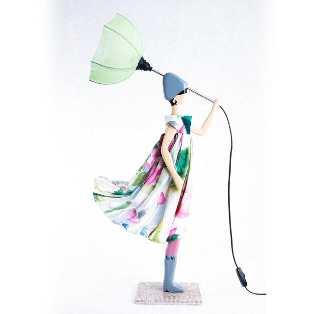 風のリトルガールおしゃれランプ Rovena テーブルランプ 受注製作 送料無料の画像1枚目