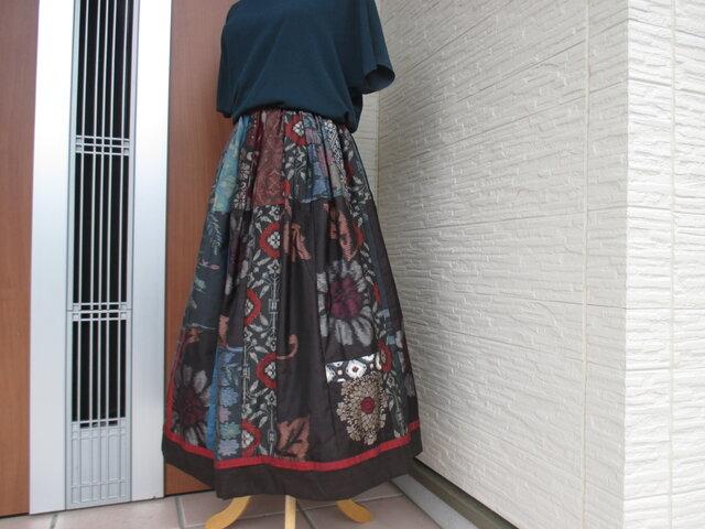 着物リメイク  * 表情豊かなエレガントスカート  裏付きの画像1枚目