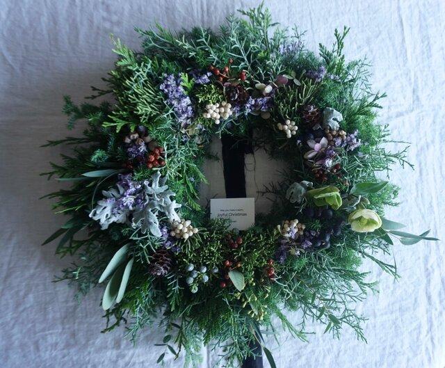 受注製作:お花畑のようなグリーンベースのクリスマスリースの画像1枚目