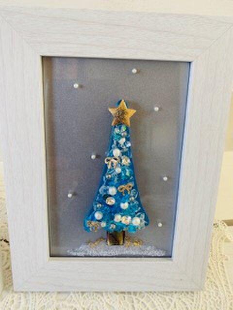 ガラスのクリスマスツリー(薄ブルー)の画像1枚目