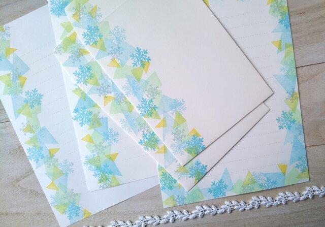 消しゴム版画「レターセット・洋2サイズ縦型封筒(雪の結晶と光)」の画像1枚目