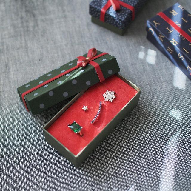 クリスマスコフレ) 雪の結晶 ネックレス & 星空 ピアス エメラルド リング 4点セットの画像1枚目