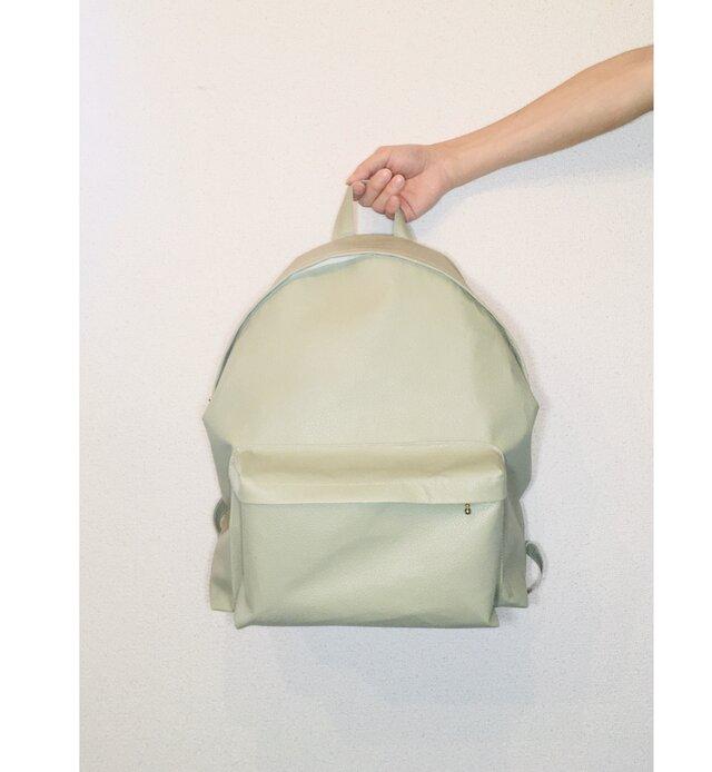 豚革 ローレルグリーン バッグパック リュックの画像1枚目