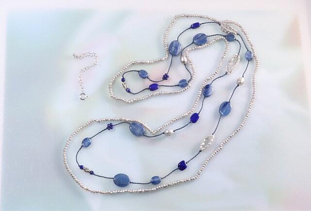 カイヤナイトとラピスラズリ・パールのネックレスの画像1枚目