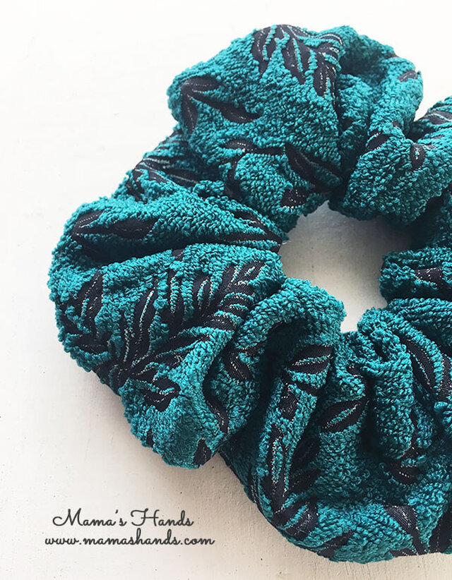 おしゃれ ブルー グリーン 葉っぱ 秋 冬 シュシュ ヘアゴム♪の画像1枚目