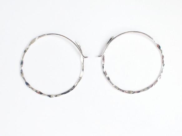 【SV930】銀月ピアス/槌目/L フープ シンプル 華奢 silverの画像1枚目