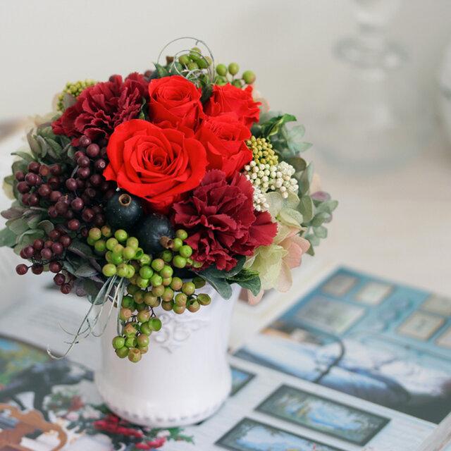 le jardin (ル シャルダン) プリザーブドフラワー レッド/グリーン 誕生日・還暦祝い・退職祝いの画像1枚目