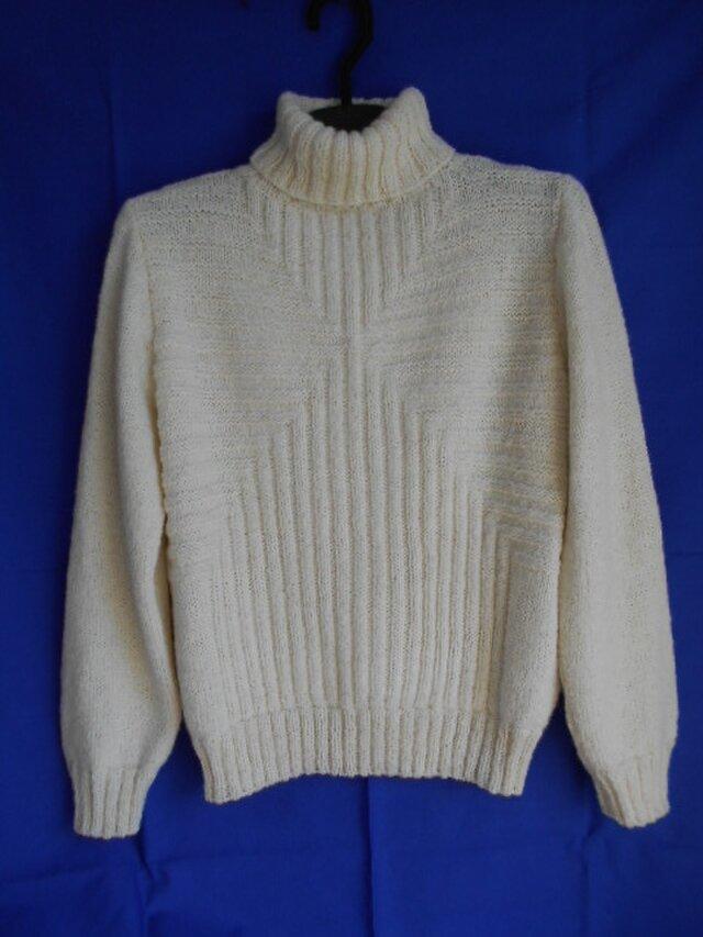 アルパカのハイネックセーターの画像1枚目