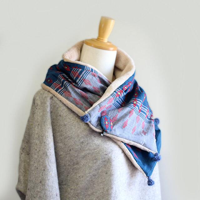 チン族手織り綿とオーガニックコットンファーのマフラー【ブローチ付き】の画像1枚目