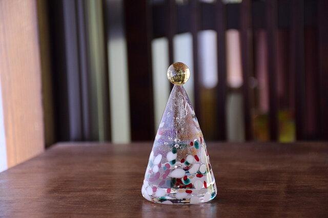 ガラスのクリスマスツリーの画像1枚目