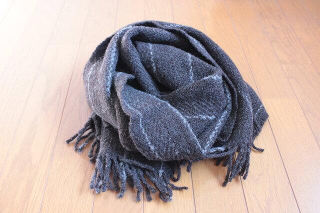 【手紡ぎ・手織り】1頭の羊から2色を使って織ったブランケットの画像1枚目