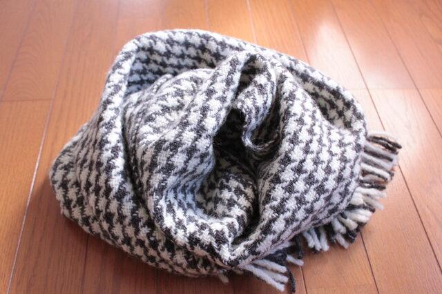 【手紡ぎ・手織り】国産羊毛・白と黒の千鳥格子ブランケットの画像1枚目