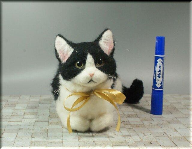 羊毛フェルト 猫 はちわれ猫さん ねこ ネコ 猫フィギュアの画像1枚目