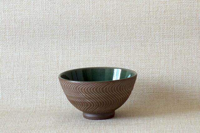 象嵌青磁釉碗の画像1枚目