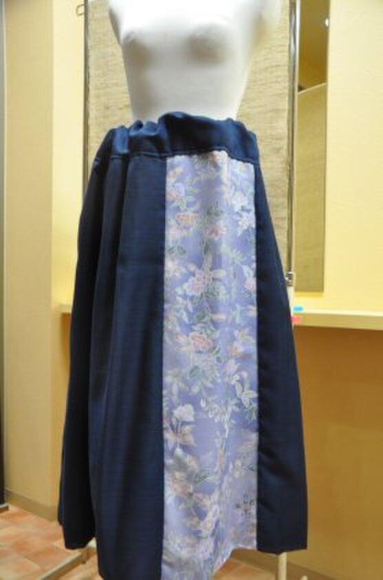 セール藤・紺色スカートの画像1枚目