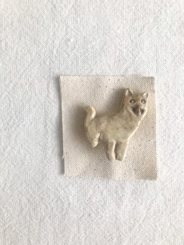 柴犬のブローチの画像1枚目