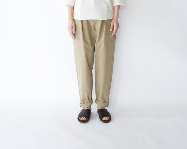 original cotton twill/tuck pantsの画像1枚目