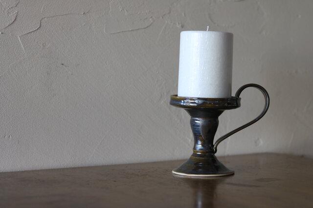 陶器のキャンドルスタンドの画像1枚目