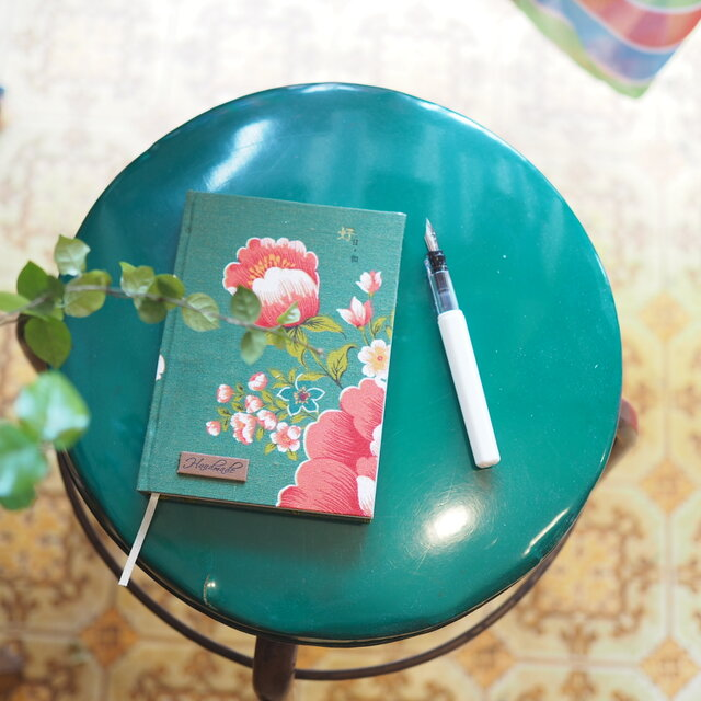 ★台湾花布★革タグ飾りノート【受注製作】の画像1枚目
