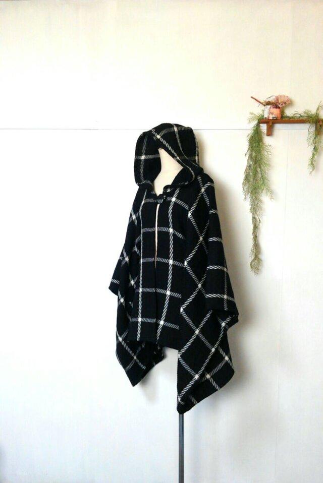 モノトーン チェック ポンチョ ~ 羽織る コート ジャケットの画像1枚目