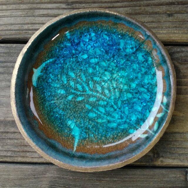 空色みずたまり小皿 枝葉と魚 no.35の画像1枚目