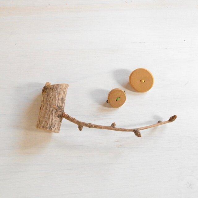 小枝のブローチ 2個セットの画像1枚目