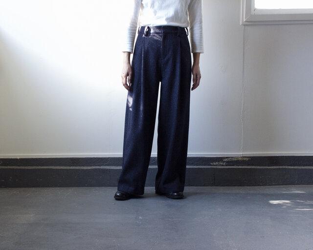 donegal tweed wide pants/navyの画像1枚目