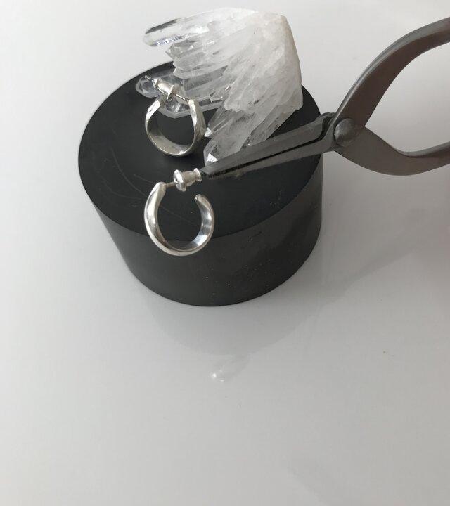 新作 sv950 ドロップ風フープミニピアス 送料無料の画像1枚目