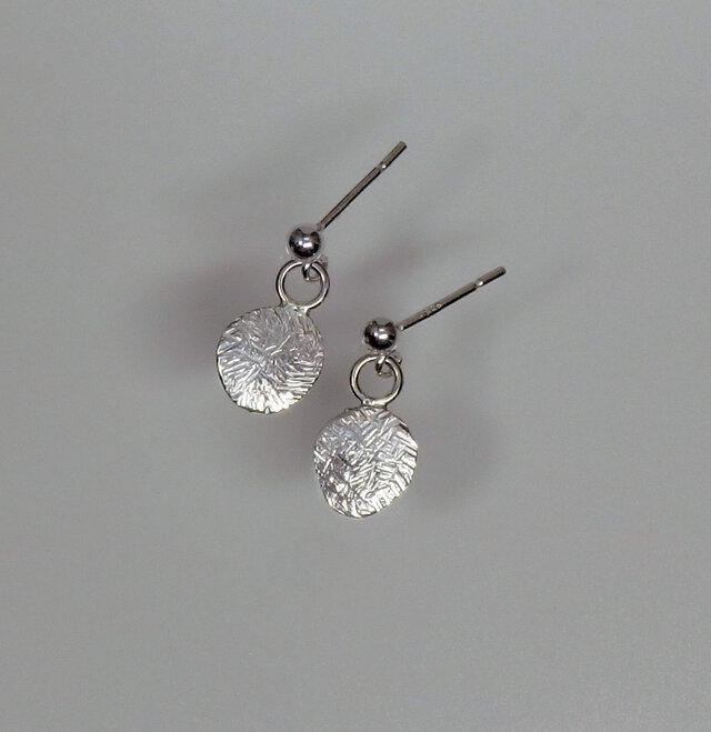 * Special Price *  Silver Hammered Drop Earringsの画像1枚目
