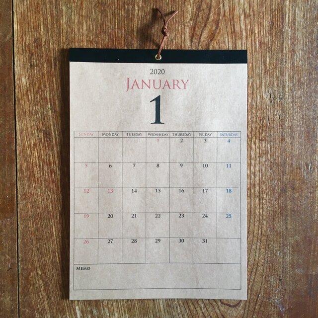 *2020年 9月始まり 壁掛けカレンダー*【クラフト紙/ブラウン/A4/ブラックテープ/切取式】の画像1枚目