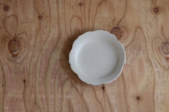 稜花皿 小 白の画像1枚目