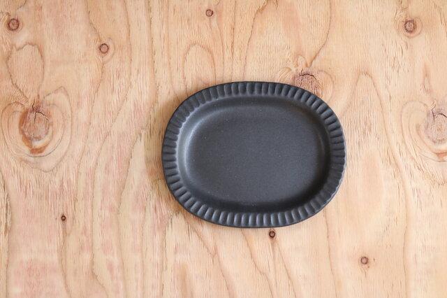 オーバルしのぎ皿 黒の画像1枚目