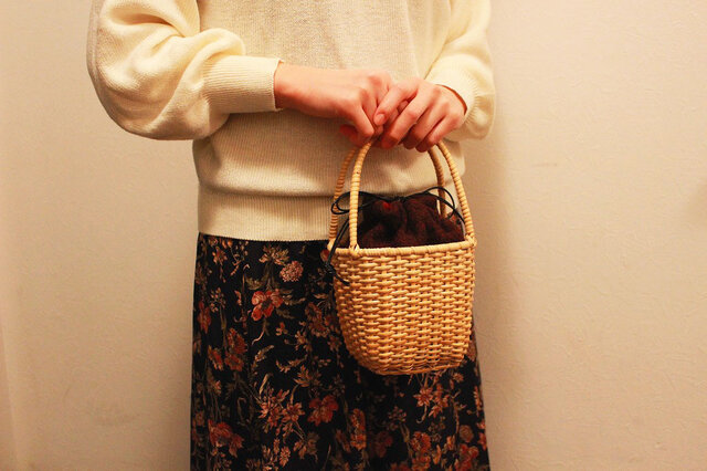 皮籐の小さなかごバッグ(内袋/えんじ)の画像1枚目
