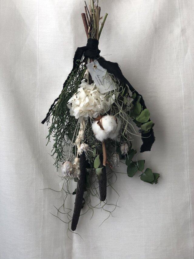 緑と白の冬スワッグの画像1枚目