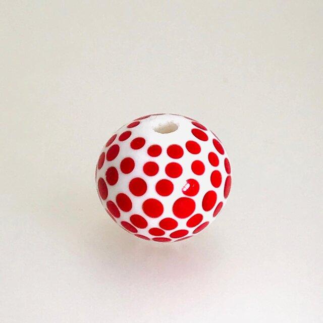 赤のドットのとんぼ玉の画像1枚目