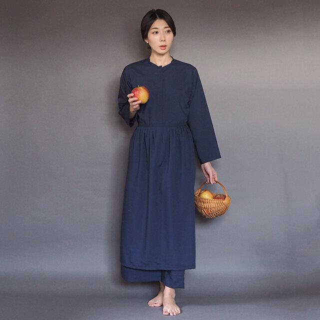 【受注制作】 トラディショナルアーミッシュドレス | ネイビー *柔らかシャツ生地*の画像1枚目