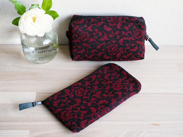 赤と黒の花唐草模様 キルトポーチとぺたんこ長財布のセット -昭和の道行コート地からの画像1枚目