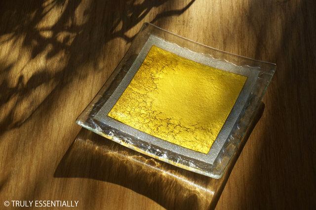 ガラスの角皿 -「 金色のガラス 」● 16cm角の画像1枚目