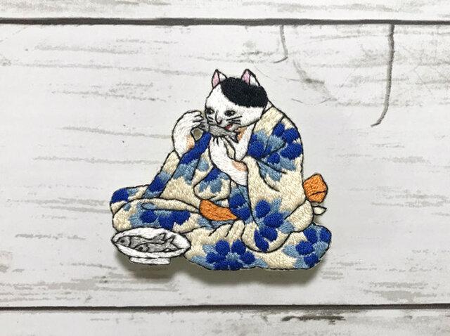 手刺繍浮世絵ブローチ*歌川国芳「猫身八毛意」よりの画像1枚目