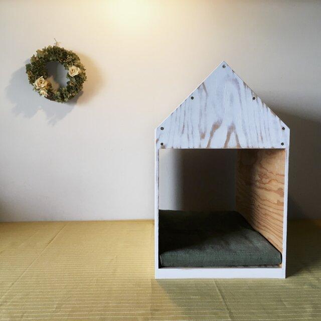 インテリアになる犬小屋 ドッグハウス  ペットハウス 木製 ホワイトウォッシュ 室内用の画像1枚目